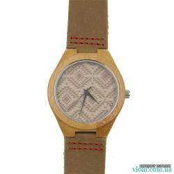 Дерев'яний годинник з візерунком